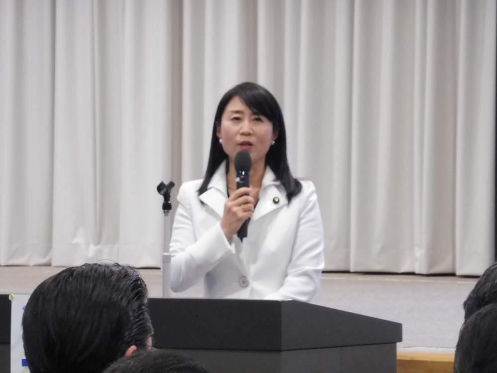 テレビの討論番組に参加、その後、京都 大阪へ