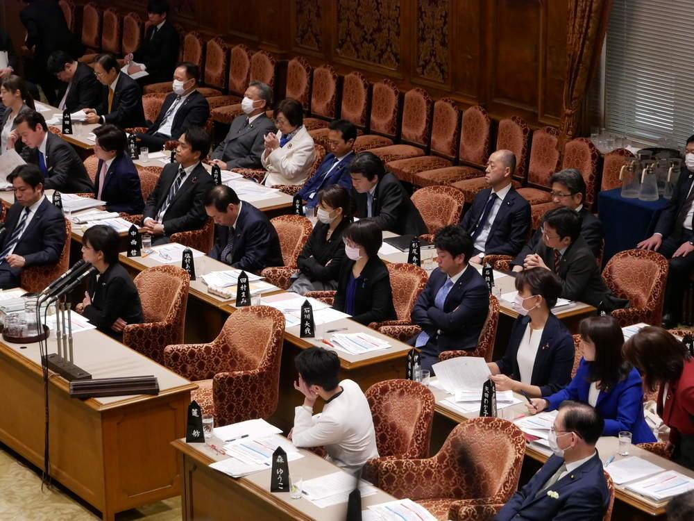 参議院 予算委員会、本会議 令和二年度予算成立