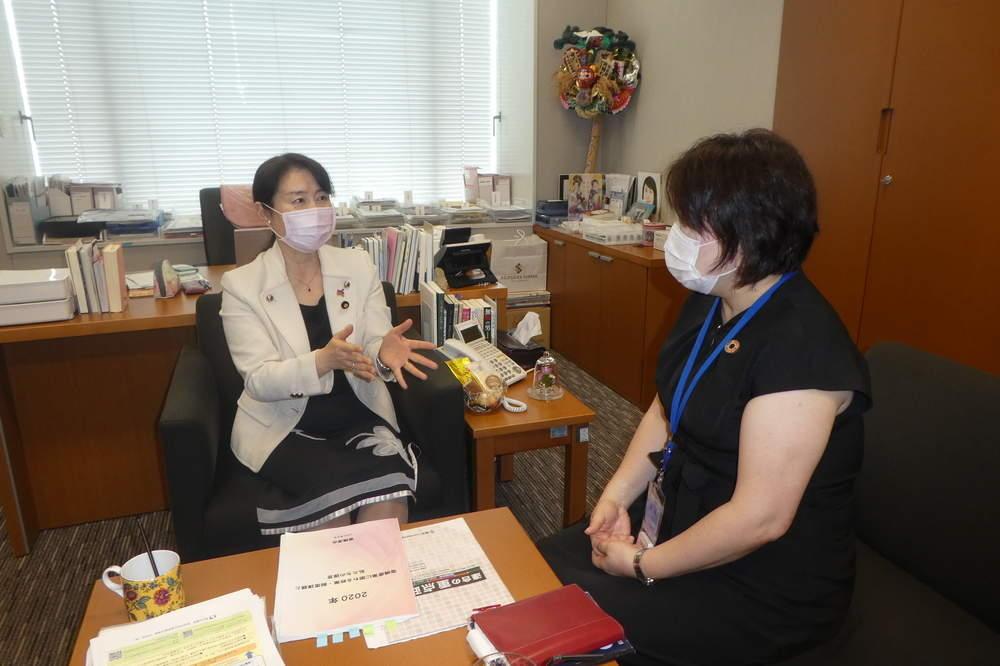 連合東京事務局長との意見交換、フォーラム参加