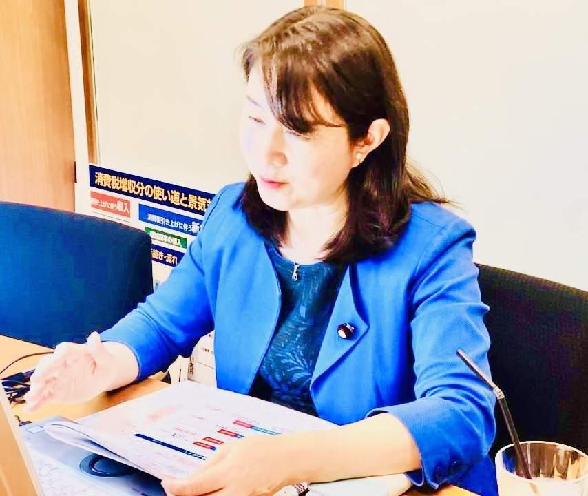 富士通労働組合研修会での国政報告